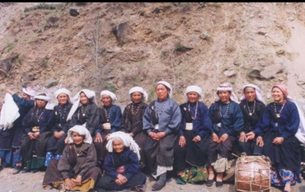 Group of women who participated in Chipko Movement